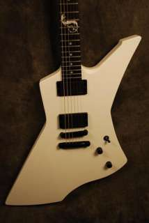 ESP Guitar James Hetfield Metallica Snakebyte Electric LTD Snow White