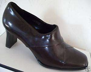 SRO Womens Brown Slip On Shoes Heels Pumps 9W 9 W NEW