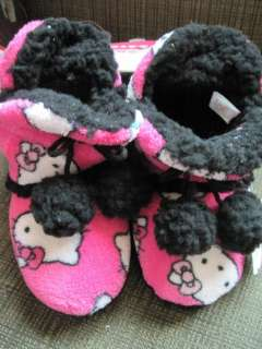 Childs HELLO KITTY Plush SLIPPERS ~ Size 11/12 ~ NEW