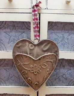PRIMITIVE METAL HEART WALL POCKET, EMBOSSED, 6 COLORS