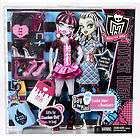 Monster High Day at the Maul Fashions Giftset for doll
