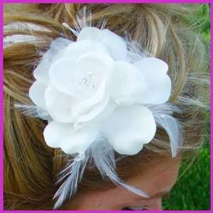 Elegant Bridal Flower with Feathers Hair Accent