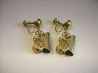 Vintage Gold Tone Covered Wagon Stage Coach Dangle Screw Earrings