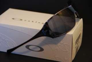 NEW OAKLEY Dart Sunglasses Slate w/Grey Lens, Carrying Case