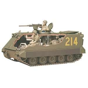 M 113 US Army Armoured Personnel Carrier Tank w/Soldiers 1