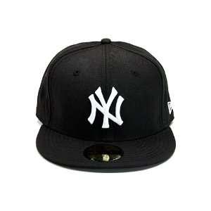 New Era New York Yankees Hat Black. Size 8 Sports