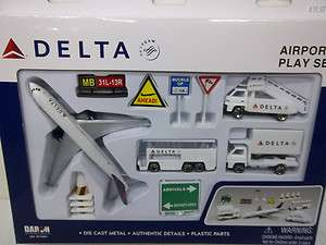 DARON REALTOY DELTA AIRLINES AIRPORT PLAY SET DIECAST METAL PLASTIC