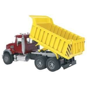 Bruder Toys   1/16 MACK Granite Dump Truck (Toys) Toys