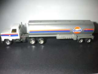 Ertl Tanker SEMI CAB Truck GULF SERVICE STATION OIL GAS TRUCK