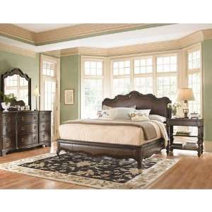 Universal Furniture Contessa Bedroom Set in Distressed Old